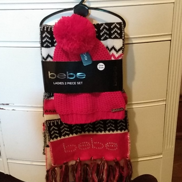 bebe Accessories - Scarf and Hat Set
